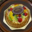 社員からのバースデーケーキに感激!?