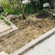 インターロッキングと小庭の草引き