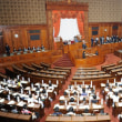 国会は、もはや「恐喝劇場」と化している!!