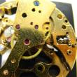 スケルトンの自動巻き時計を修理です
