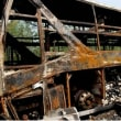 中国中部の高速道路で2階建てバスが炎上、41人が死亡