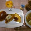 チーズonクロワッサンの朝食と通院