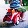 「ヒヤッとする瞬間」 ショッピングモールで小さい子供をカートに乗せた親子