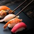 日本の「料理人帯同制度」は世界でも少数派 おもてなしの是非