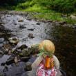 北山杉の里の奥にある「沢の池」。静原川の水が流れる橋。不思議な景色に感激