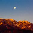 十六夜に照らされた韮崎の雪の山々・・・!