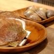 田町「海鮮市場 AOHAMA」、テーブルで焼く貝が美味しい♪