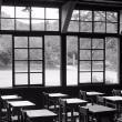 分校の教室ーモノクロームの白書ー