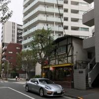 千代田区一番町に停まるポルシェ
