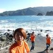 天気は良いけど海は大荒れ~。本日はクローズです。m(__)m