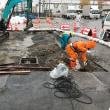 雨の中で水道管の切り回し工事・・・習志野市