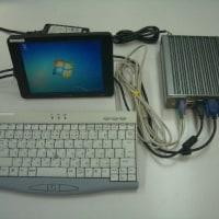 ファンレスPCと8インチモニター