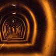 清滝へのトンネル