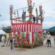 盆踊り櫓の飾り付けと会場の準備