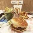 2018.01.23のランチ マクドナルドでチキンフィレオ・サイドサラダとおまけ2品
