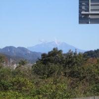 噴煙あげる御嶽山