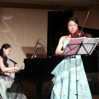 2015年度<合格祝賀会>でのピアノ、バイオリン演奏