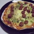 ネギとエノキとソーセージのピザ(うー、まずいっ)