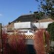 茅葺き屋根の葺替え風景