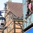 仏・リクヴィルの村と装飾吊り看板