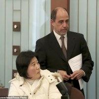 脱北女性が国連の記者会見に乱入、北朝鮮への帰国許可訴えた。