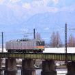 常願寺川橋梁を渡る富山地鉄17480系電車
