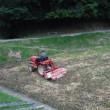 早朝からトラクターで耕しました!