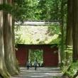 五月の戸隠高原・・・奥社への参道を歩く・・・隋神門が見えてきた