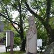 軽井沢ロータリーの馬頭観音