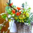雪柳とボケの花とれんぎょうの花とおやつ