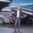 メルセデスが提案する完全自動運転EVはボディ交換で乗用にも商用にも
