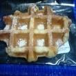 本格ベルギーブリュッセル風お砂糖のワッフルでまずは朝食して:D