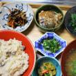 炊きこみごはん・錦糸卵と青菜びたし・鯖の味噌煮缶・・・朝餉