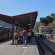 のんびり・台湾 ローカル鉄道旅 列車は人並みをかき分けて十分駅へ 5