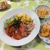 昼飯。ヘルシー食。夏にピッタリの冷し中華蕎麦です。いただきます。