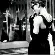 世界中の女性の首を真珠で締め上げてやる