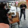 雨の中で甘酒売りとハーモニカの演奏をしてきましたよ。