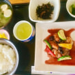 6月15日の日替り定食(550)は、チキンソテー、ブルーベリーソース です。