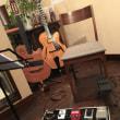 コンテンポラリーなギタリストかどうかは、ディレイあるいはルーパーをどの程度使いこなしているかによると思う。