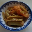 日曜山菜クッキング:イタドリの炒め物