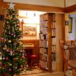 クリスマスツリーと薪ストーブと