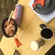 河原で朝食