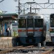 6月17日撮影 飯田線は213系 北殿駅での並び その1