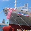 新造巨大コンテナ船がスエズ運河で座礁