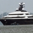 税金をちょろまかして買った船を見に行く