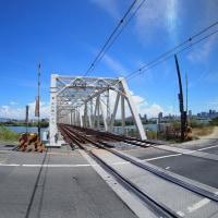 赤川橋梁の亀岡街道踏切が