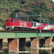 専用機関車を持つレインボー客車