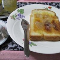 未明カフェ●「カフェオレ& トースト」