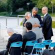 オバマ大統領、広島へ  被爆者を抱擁