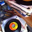 今日は「45回転」が生まれた日です!レコード盤は君達の世界を救う!